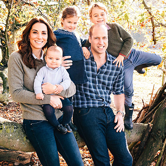 Family photo of Kate Middleton, Prince William, Princes George and Louis and Princess Charlotte