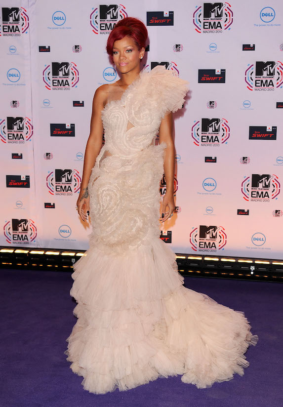 Rihanna wears a one-shoulder blush-coloured gown to the 2010 MTV Europe Awards