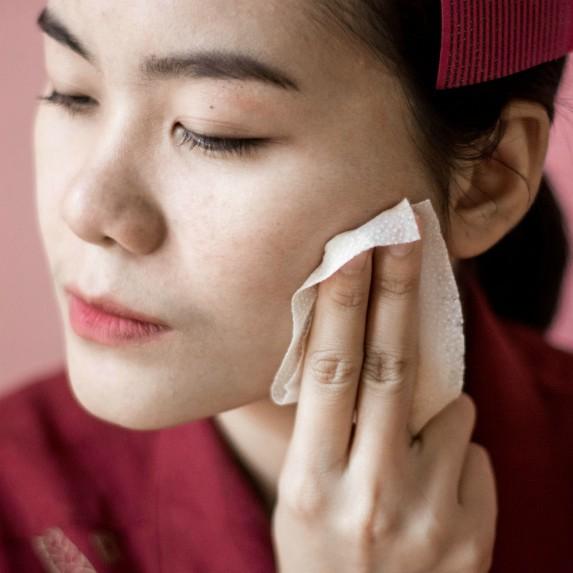 woman-removing-makeup