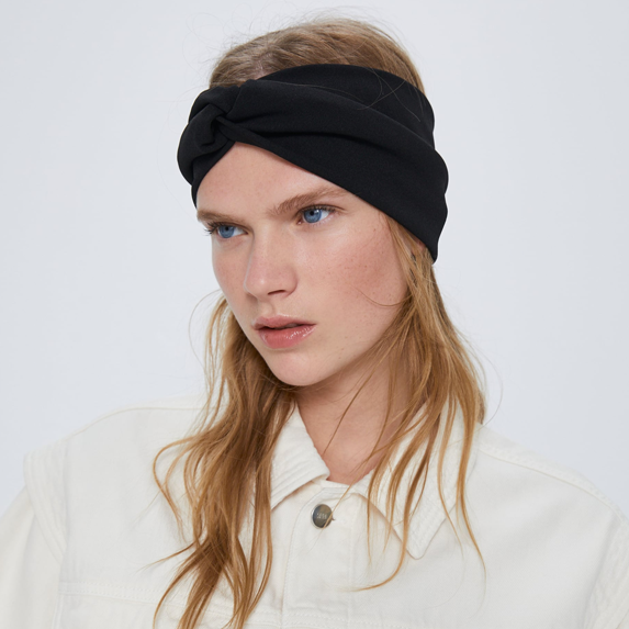 An Everyday Staple: Simple Elastic Headbands