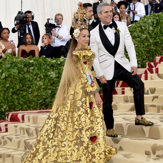 Andy Cohen and Sarah Jessica Parker at the MET Gala.