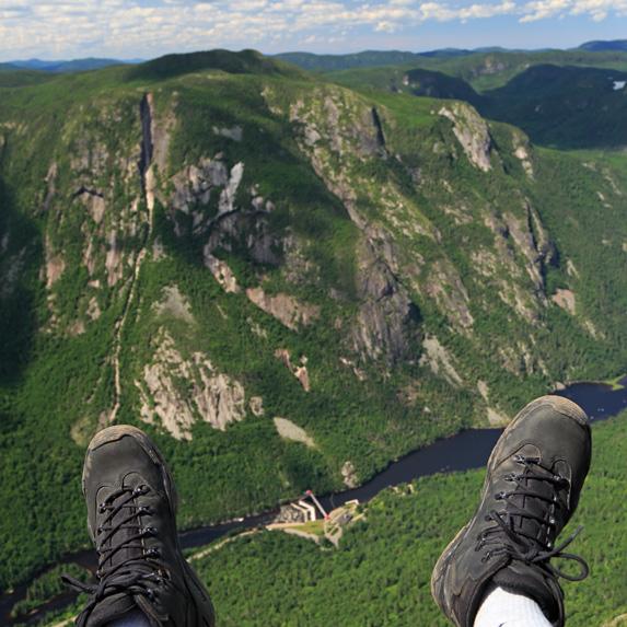 Quebec: L'Acropole des Draveurs, Haute-Gorges-de-la-Rivière-Malbaie National Park