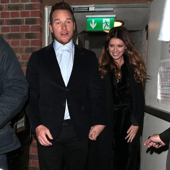 Chris Pratt anad Katherine Schwarzenegger walking together
