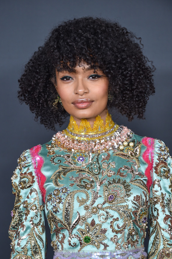 Yara Shahidi wears her hair in natural curls