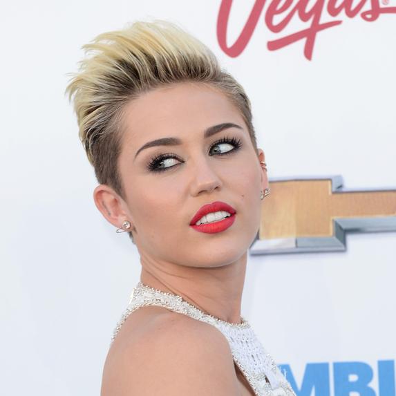 Miley Cyrus at the 2013 Billboard Music Awards