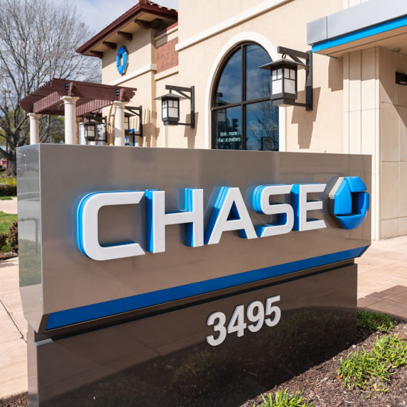 Chase sign outside of a building