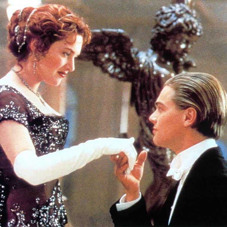 Kate winslet and Leonardo DiCaprio in iconic Titanic scene