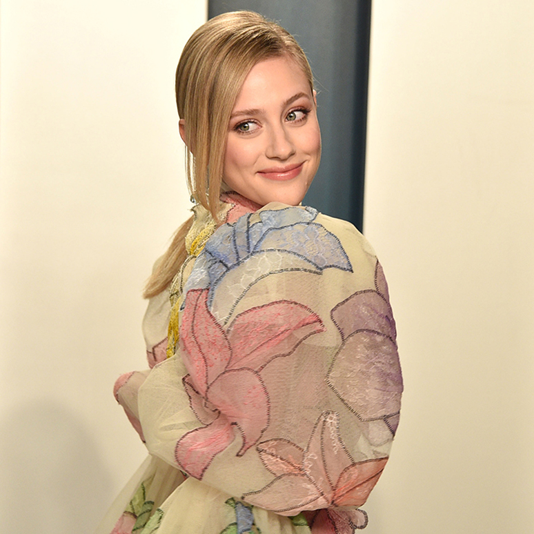 Lili Reinhart attends the 2020 Vanity Fair Oscar Party at Wallis Annenberg Center for the Performing Arts on February 09, 2020 in Beverly Hills, California.