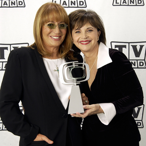 Penny Marshall and Cindy Williams at a TV Land red carpet event in the 2000s