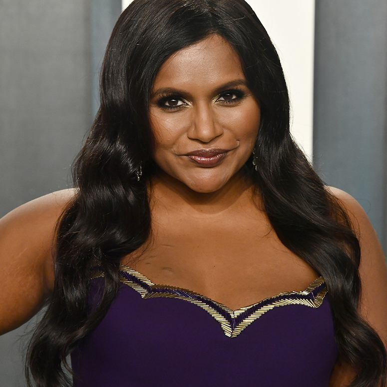 Mindy Kaling attends the 2020 Vanity Fair Oscar Party hosted