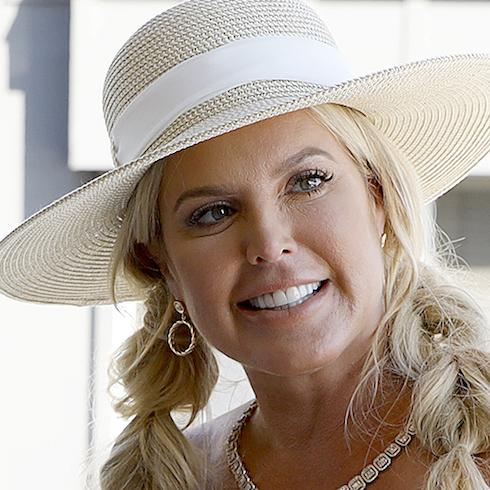 Elizabeth Vargas in a hat on RHOC